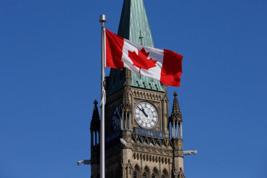 Les haut placés du gouvernement Harper avaient reçu... (ARCHIVES REUTERS)
