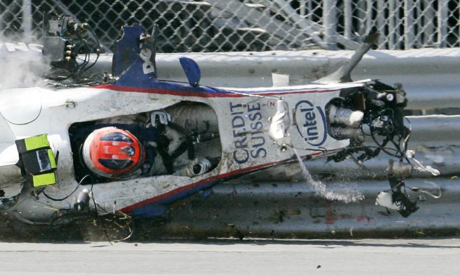 À Montréal, on se souvient aussi du terrifiant accident à haute vitesse de Robert Kubica au Circuit Gilles-Villeneuve en 2007. Miraculeusement, Kubica est sorti indemne (mais très secoué) de l'impact. (REUTERS)