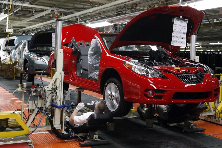 La décision du constructeur automobile japonais Toyota... (ARCHIVES AP)