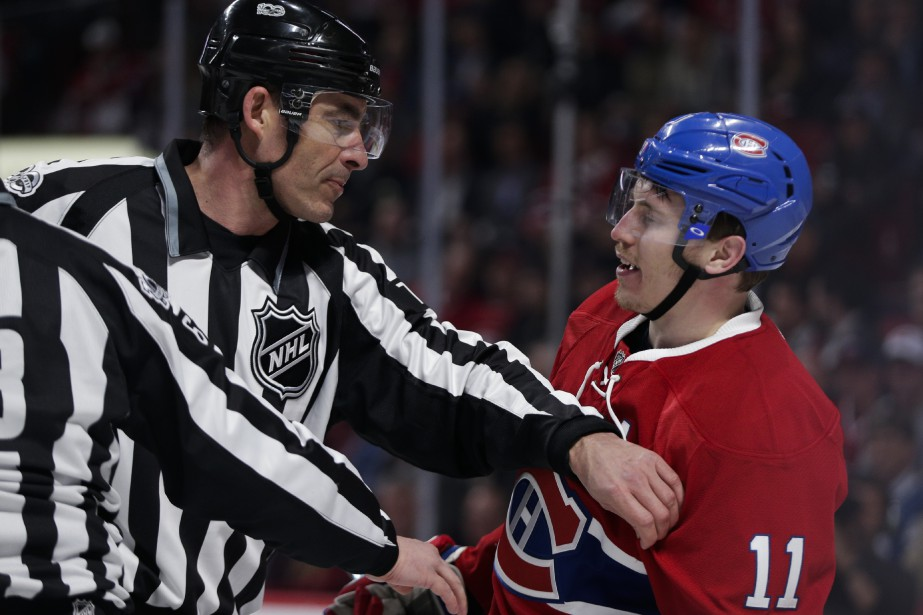Brendan Gallagher a une discussion animée avec un juge de ligne en premiere période. (PHOTO OLIVIER JEAN, LA PRESSE)