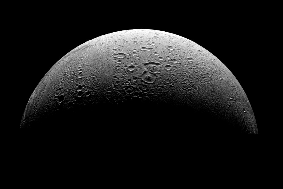 La région nordique d'Encelade,capturée par la sonde Cassini... (ARCHIVES BLOOMBERG)