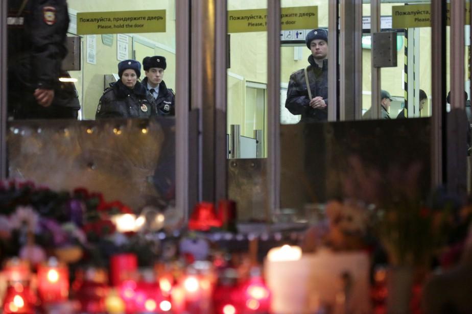 La ville de Saint-Pétersbourg a été frappée le... (Photo Anton Vaganov, REUTERS)