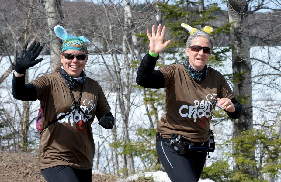 Quelque 1500 marcheurs et coureurs de tous âges ont participé au Défi Choco, samedi à Lac-Delage, un parcours de 5 km comprenant plusieurs stations chocolatées pour se sucrer le bec. | 15 avril 2017