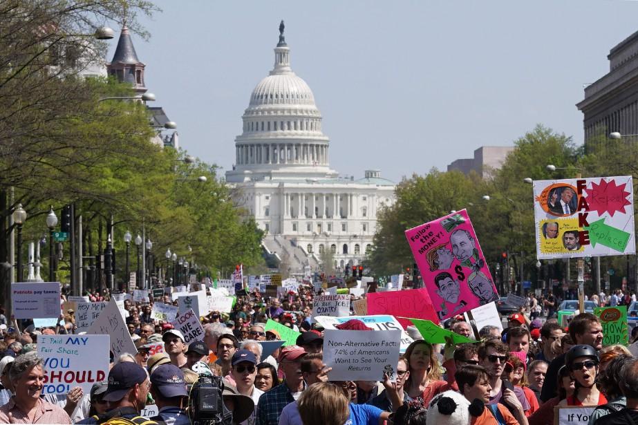 À Washington, New York et dans des dizaines... (PHOTO MANDEL NGAN, ARCHIVES AGENCE FRANCE PRESSE)
