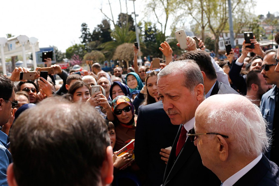 Le président Recep Tayyip Erdogan a salué ses... (Photo Murad Sezer, REUTERS)