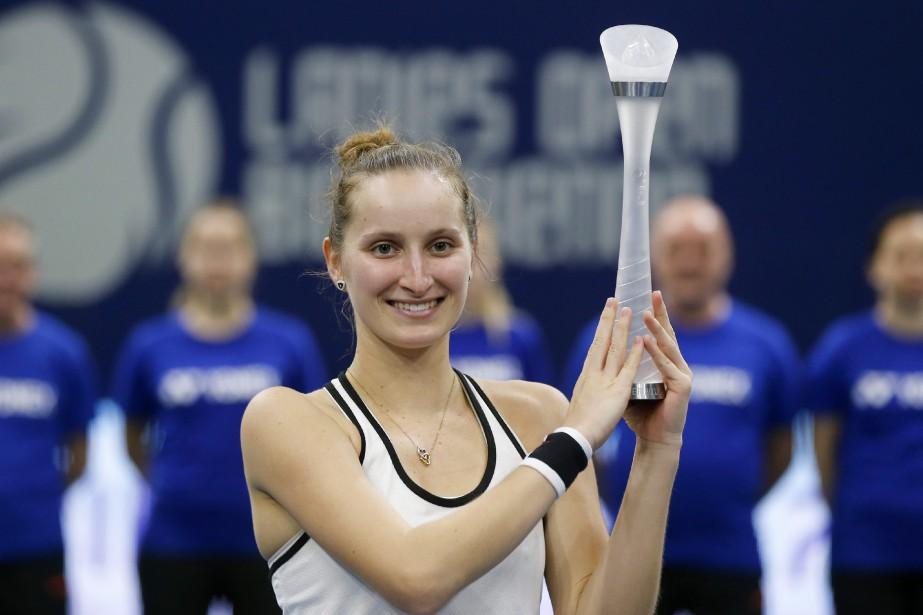 La Tchèque de 17 ans Marketa Vondrousova a... (Photo Peter Klaunzer, AP)