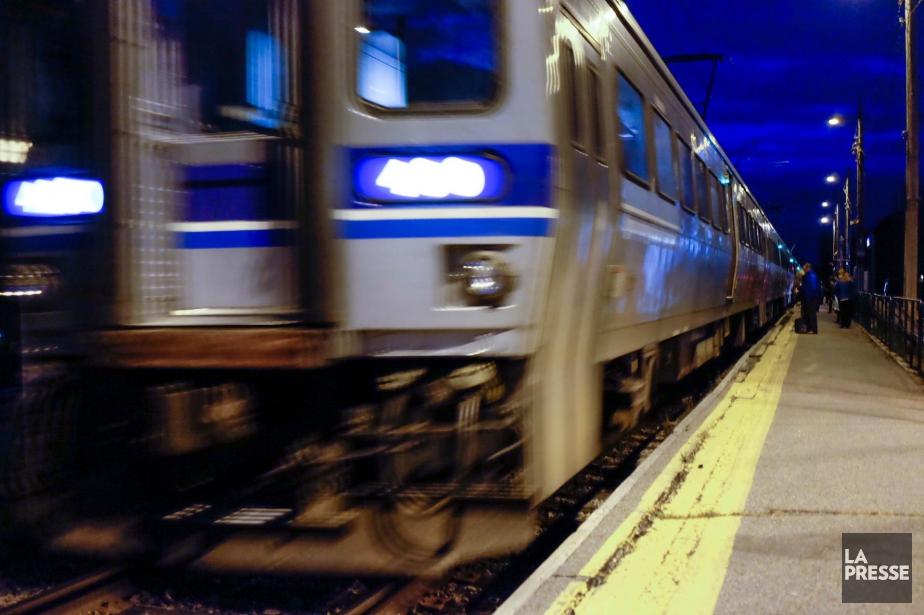 Le service a repris vers 16h sur la... (Photo Yannick Fleury, archives La Presse)