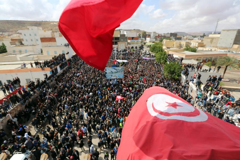 Six ans après la chute de la dictature,... (Photo FATHI NASRI, AFP)