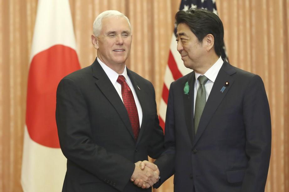 À Tokyo, étape d'une tournée asiatique, le vice-président... (AFP)