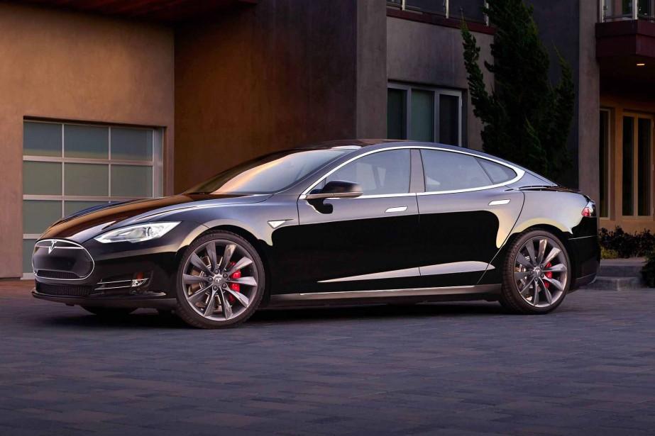 La voiture de ses rêves «Si mon budget était illimité, ce serait une Tesla. Elle est très belle.» | 18 avril 2017