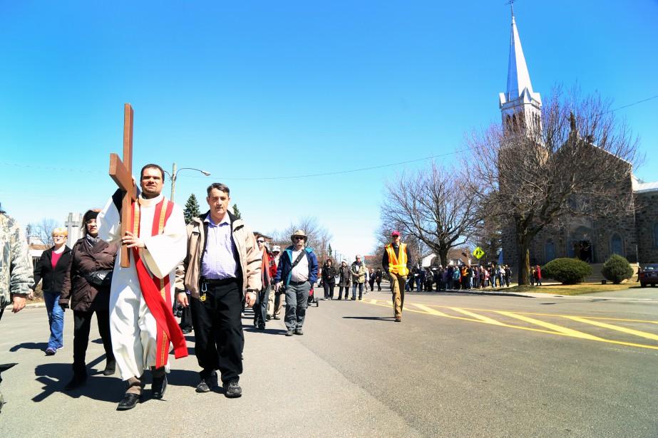 Une centaine de fidèles ont participé à la Marche du... | 2017-04-18 00:00:00.000