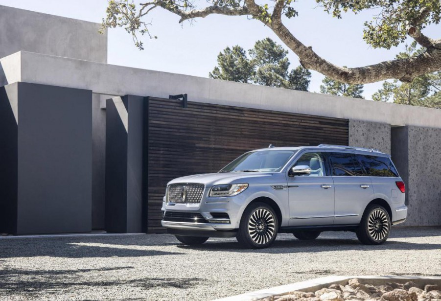 Avec le Navigator 2018, Lincoln élève son niveau de jeu pour mieux concurrencer le Cadillac Escalade et les autres gros VUS de General Motors. (PHOTO LINCOLN)