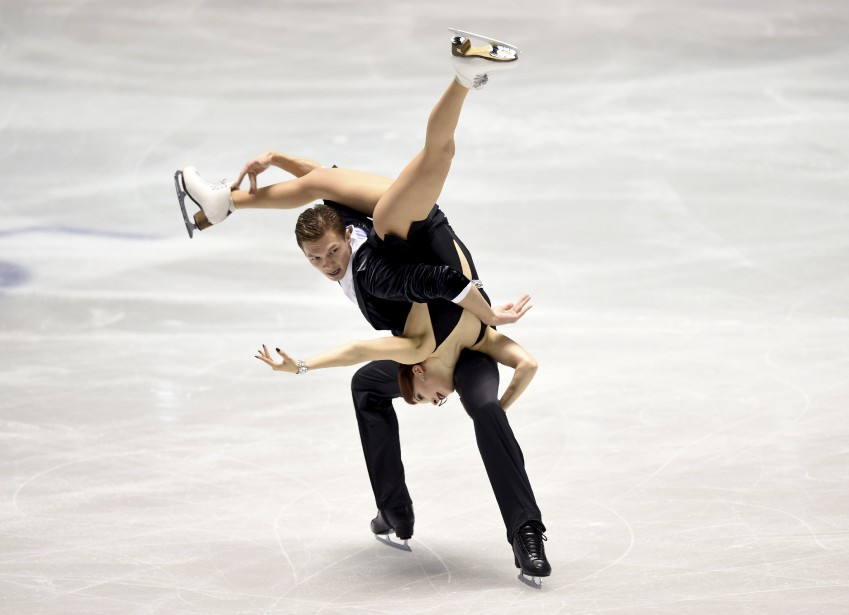 Les Russes Ekaterina Bobrova et Dmitri Soloviev lors de la compétition de patinage artistique World Team Trophy, à Tokyo. | 20 avril 2017