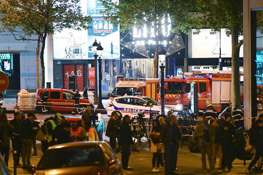 La fusillade jeudi soir à Paris, revendiquée par... (PHOTO FRANCK FIFE, AGENCE FRANCE-PRESSE)
