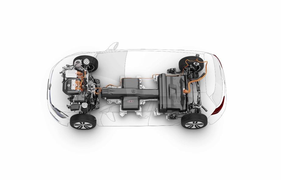 Contrairement à la Nissan Leaf, à la Chevrolet Bolt ou aux Tesla, la Volkswagen e-Golf n'a pas été spécifiquement conçue autour d'une architecture tout électrique. C'est une voiture électrifiée. ()