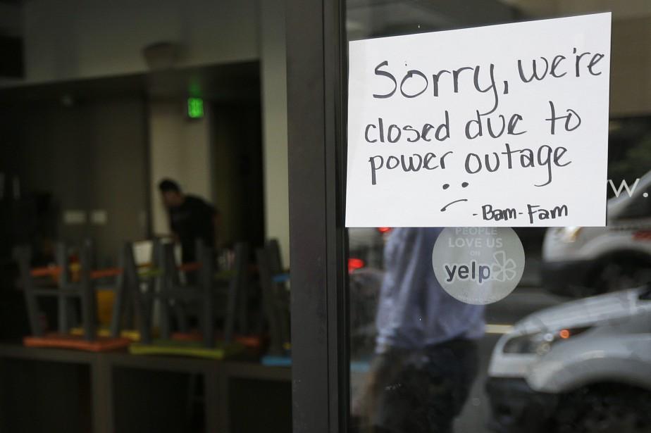 La panne a notamment mis hors service les... (Photo Jeff Chiu, AP)