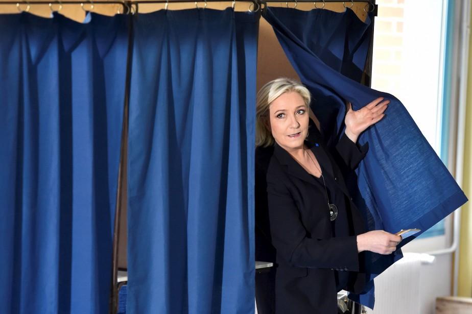 La candidate Marine Le Pen a voté à Henin-Beaumont, dans le nord-ouest de la France. (AFP, Alain Jocard)