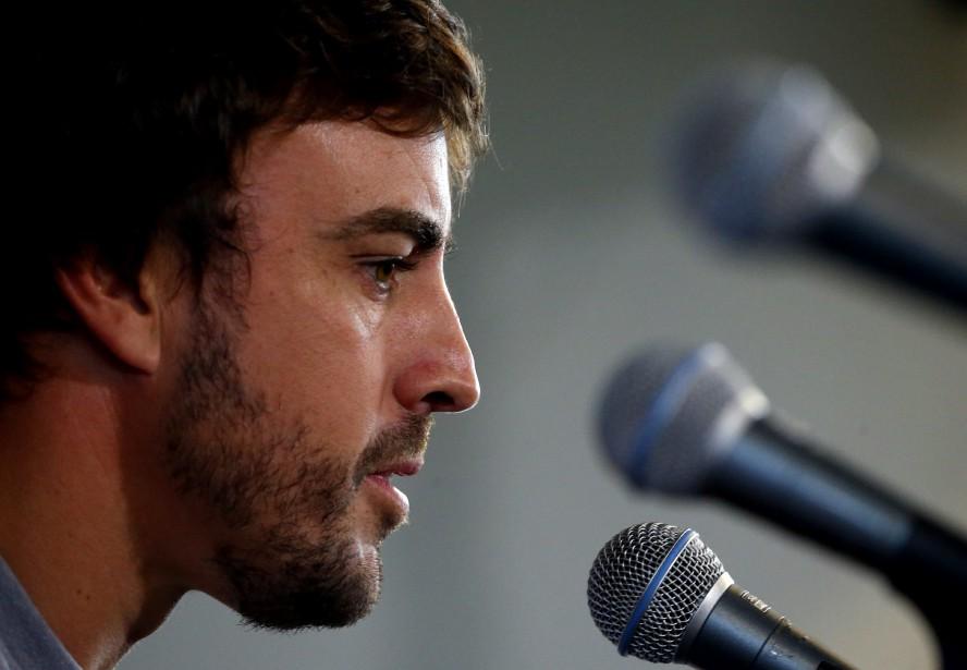 Le pilote de F1 Fernando Alonso s'adresse aux médias avant le GP de l'Alabama dimanche.<br /><br /> (AP)
