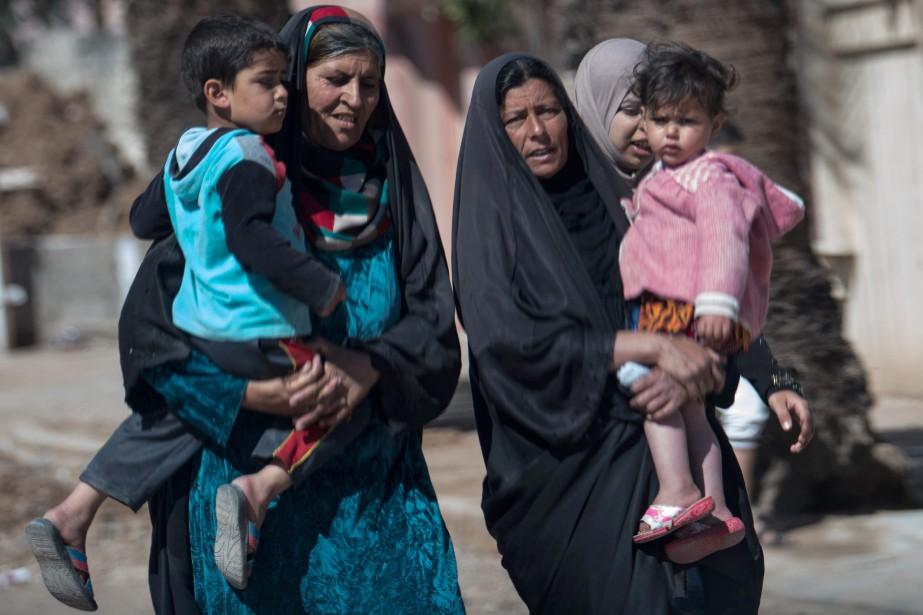 Des djihadistes, se faisant passer pour des forces... (AFP)