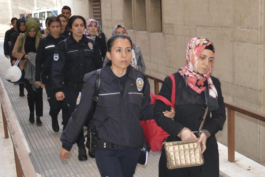 Les autorités turques ont arrêté mercredi quelque 1120... (AP)