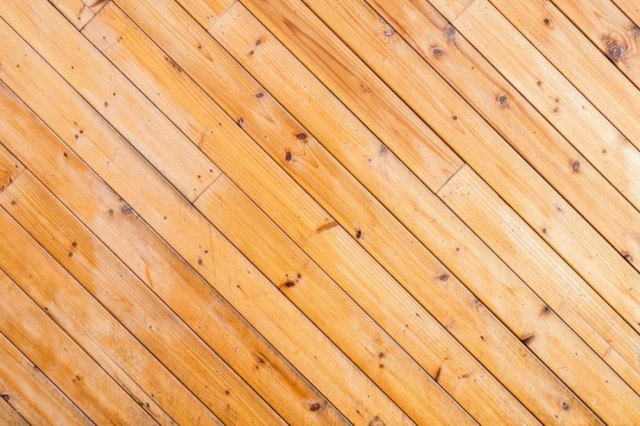 Des planchers croches peuvent être symptomatiques de problèmes... (PhotoThinkstock)