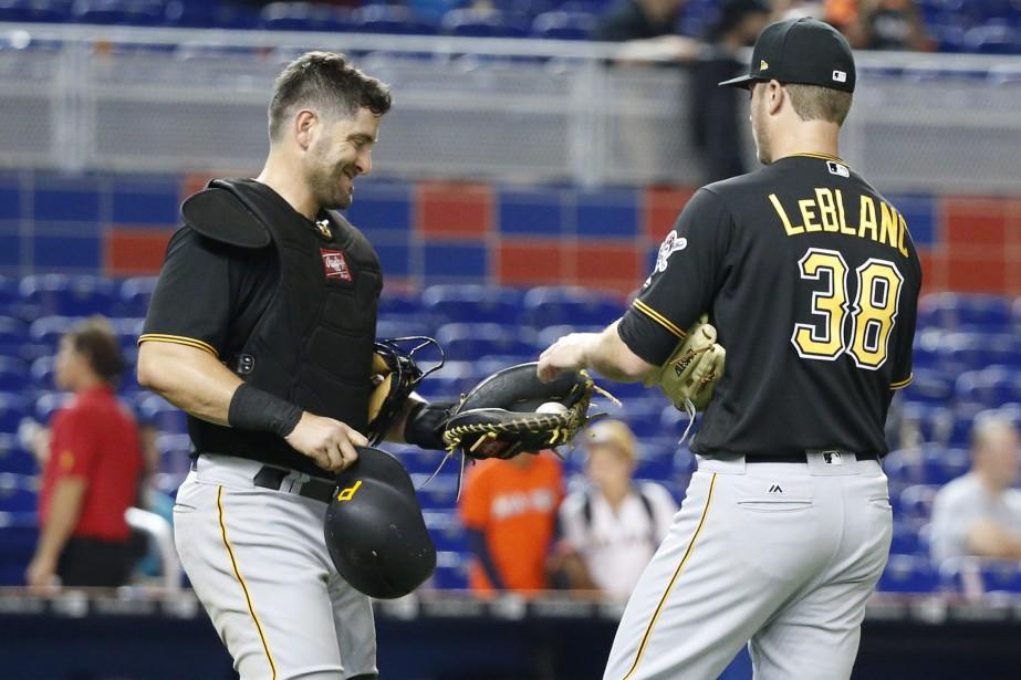 Le receveur Francisco Cervelli, et le lanceur Wade... (photo Wilfredo Lee, AP)