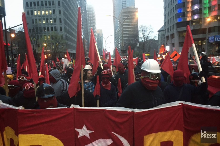 Manifestation du 1er mai... (PHOTO OLIVIER PONTBRIAND, LA PRESSE)