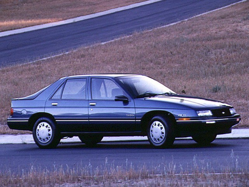 <strong>La voiture qui a marqué son enfance</strong>C'était la Chevrolet Corsica noire familiale. Il se souvient encore du jour où elle a tout simplement disparu. (Photo : Chevrolet)