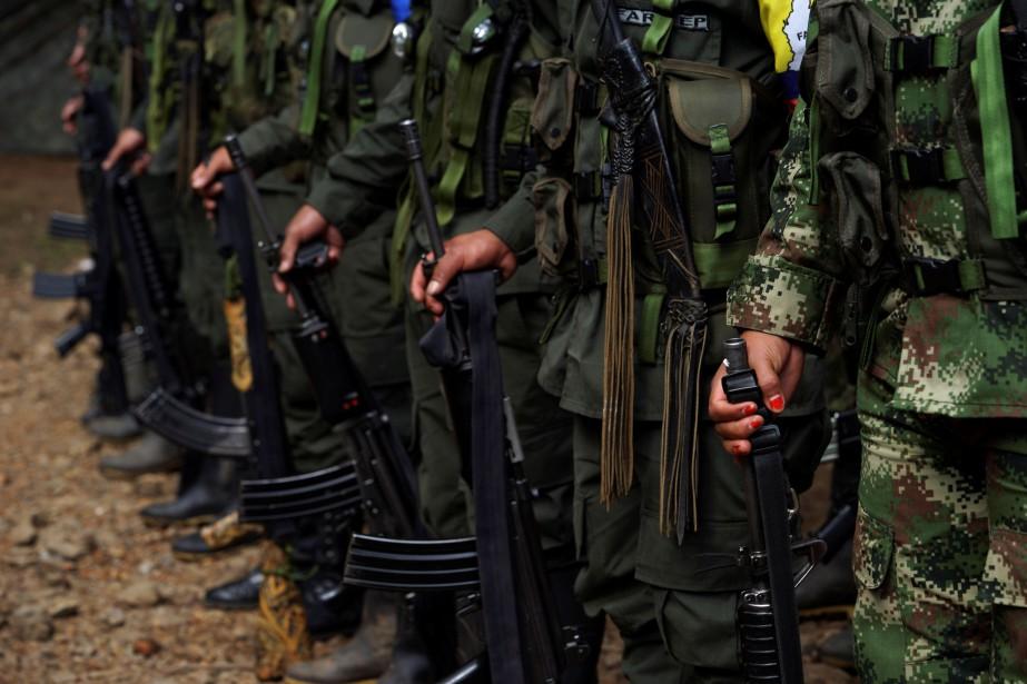 Le 2 mai 2002, lors d'affrontements entre les... (PHOTO Federico Rios , ARCHIVES REUTERS)