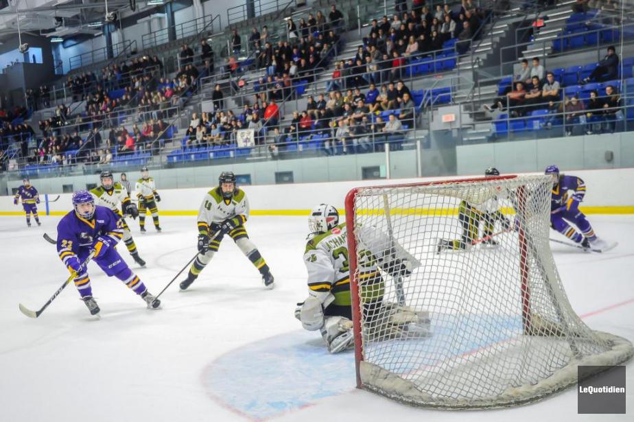 Le hockey scolaire occupera une place de plus... (Photo Le Quotidien)