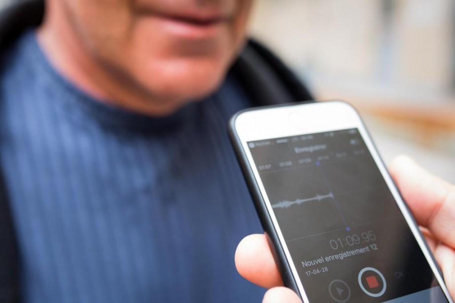 Une municipaliténe peut interdire à ses citoyens d'enregistrer... (PHOTO SIMON GIROUX, Archives LA PRESSE)