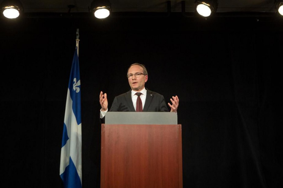 Le ministre Martin Coiteux... (Archives, La Presse)