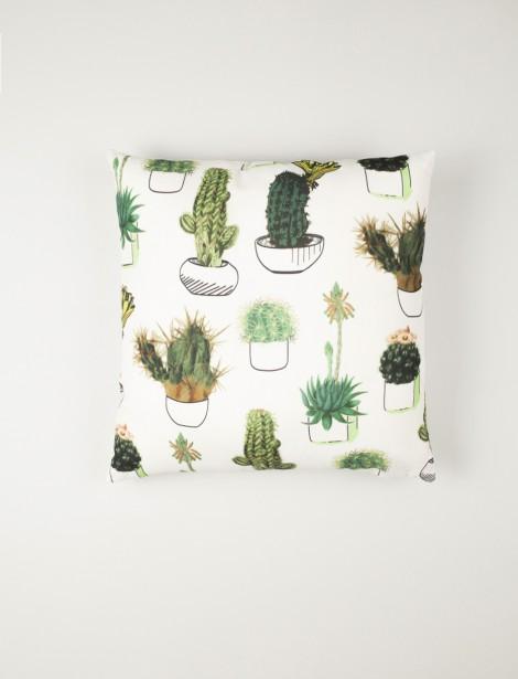 Mode Choc - Coussin pop cactusAjoutez une petite touche ludique et originale à la chambre à coucher ou au salon grâce à ce joli coussin 100% polyester orné de cactus. <br />Dimension: 45 cm X 45 cm ()