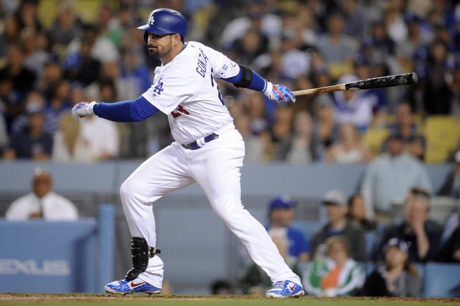 Adrian Gonzalez a unedouleur au coude droit.... (Photo Gary A. Vasquez, USA TODAY Sports)