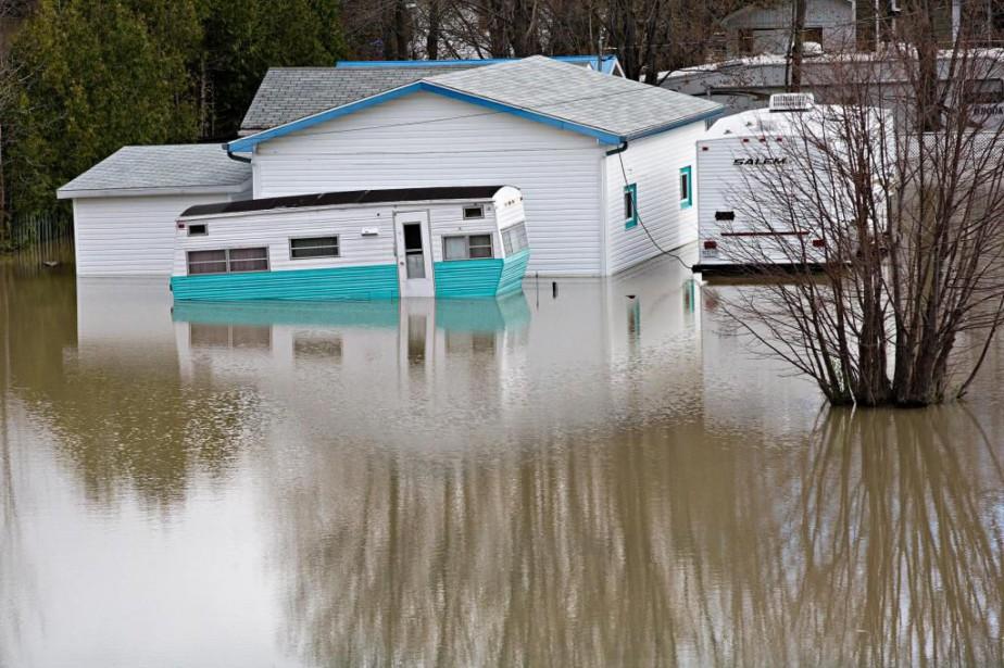 Des délais additionnels seront accordés aux sinistrés des... (Photo Patrick Sanfaçon, La Presse)