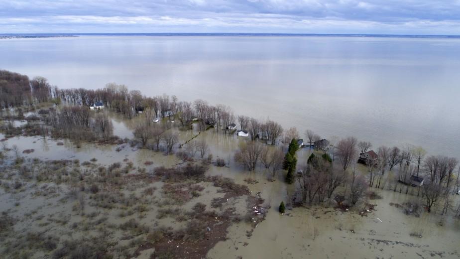 Le lac Saint-Pierre déborde de toutes parts. | 10 mai 2017