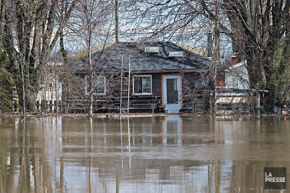 À Rigaud, depuis le début des inondations, 230... (Photo Patrick Sanfaçon, archives La Presse)