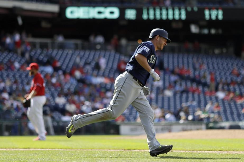 Danny Valencia... (PHOTO Matt Slocum, AP)