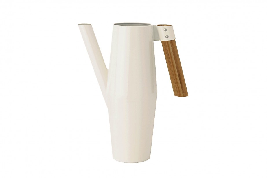 Arrosoir Bittergurka, dont la forme élancée évoque le tronc d'un bouleau, 16,99 $, chez IKEA (vu au centre de cueillette de Québec) | 11 mai 2017