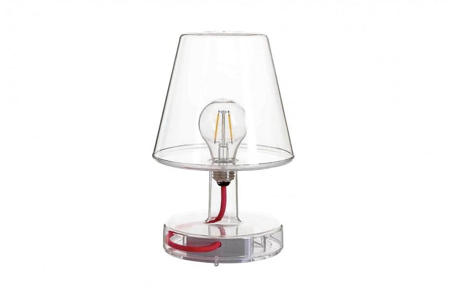 Lampe à pile Fatboy, pour l'intérieur et l'extérieur, trois intensités, offert en plusieurs couleurs, 159 $ Au Loft | 11 mai 2017