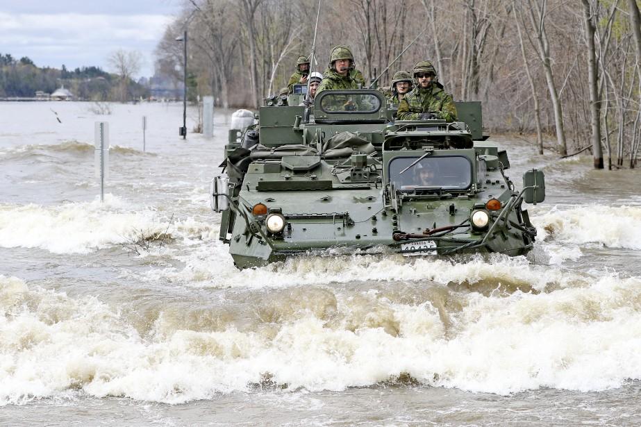 Les Forces armées ont dépêché des soldats dans plusieurs municipalités de la région pour venir en aide aux sinistrés et aux équipes d'intervention municipales et provinciales sur le terrain. | 12 mai 2017