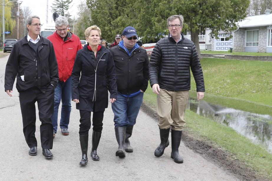 La première ministre de l'Ontario, Kathleen Wynne, est aussi passée dans la région cette semaine. Elle s'est rendue dans l'Est ontarien et à Cumberland. | 12 mai 2017