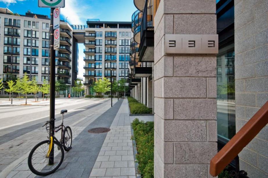 Bien que les portes principales des tours du333Sherbrooke... (Photo fournie par Sotheby's International Realty)