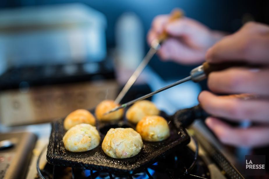 Les takoyakis sont des petits beignets.... (PHOTO EDOUARD PLANTE-FRÉCHETTE, LA PRESSE)