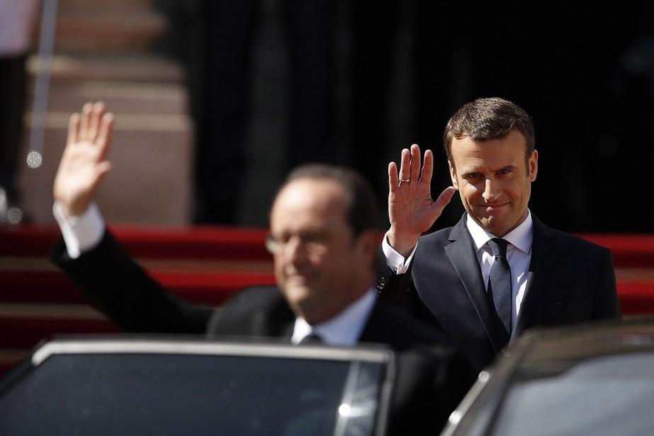 Le nouveau président de la France, Emmanuel Macron,... (Yoan Valat, Pool via AP)