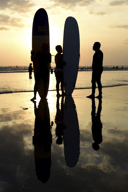 Le soleil se couche sur la plage de Kuta, en Indonésie. | 14 mai 2017