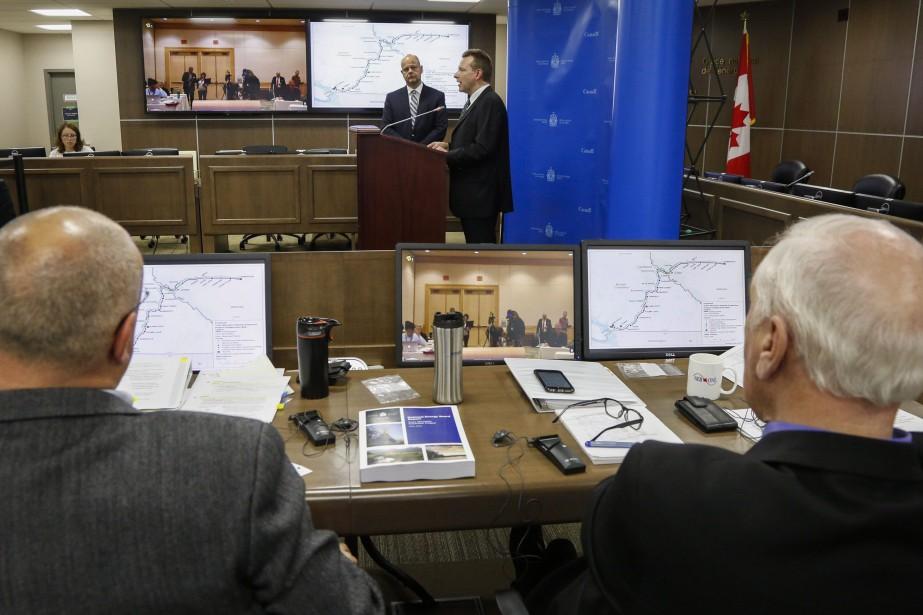 Le comité d'experts suggère la création d'une Commission... (Photo Jeff McIntosh, archives La Presse canadienne)
