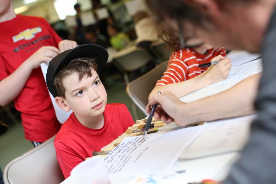 À auteur d'enfant, une activité qui réunit enfants, rédacteurs et dessinateurs, s'est tenue à Dunham samedi. Les illustrateurs ont dessinés les histoires imaginées par les enfants, donnant lieu à des rencontres magiques. | 15 mai 2017