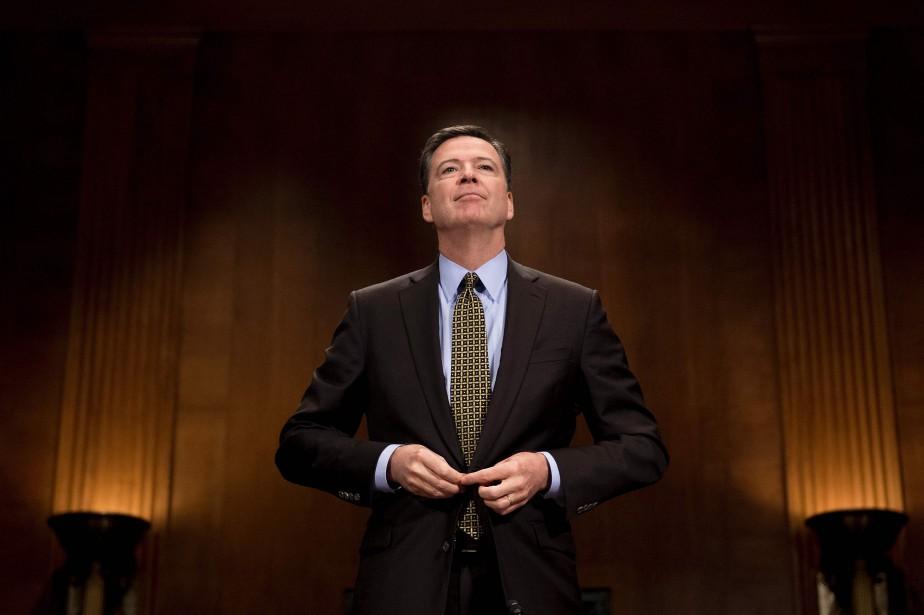L'ancien patron du FBI James Comey avait pris... (PHOTO AFP)