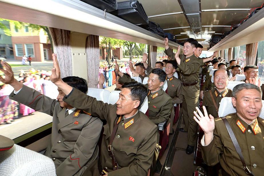 Sur cette photo publiée par l'Agence de presse... (PHOTO AFP/AGENCE DE PRESSE CENTRALE NORD-CORÉENNE)